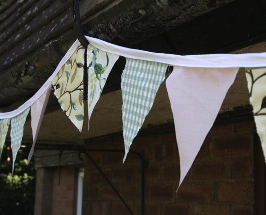 How to make your own bunting